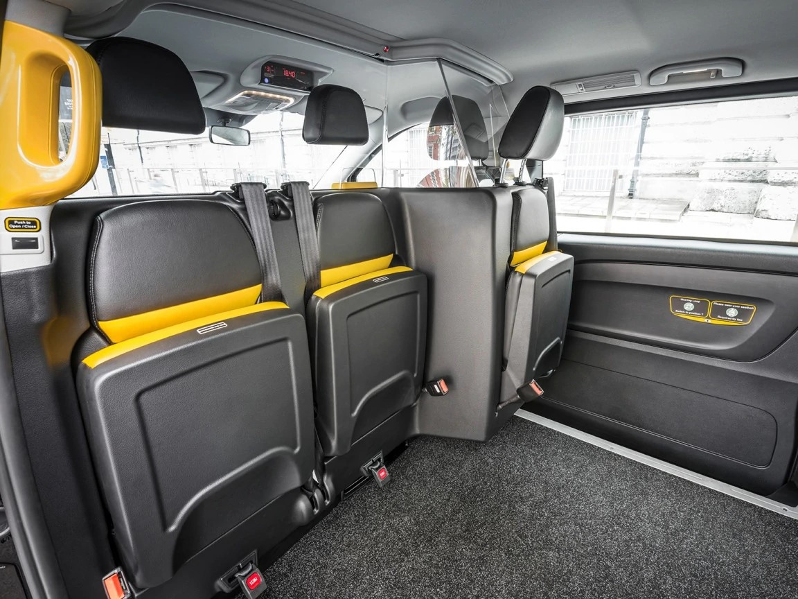 Interior-Image-of-our-Black Cabs